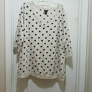 Torrid v neck heart shirt. Size 4